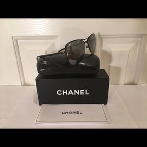 "❤️ Chanel Black New ""2018"" sty# 4223 Aviator NEW!"